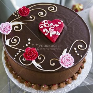 Sweet-Valentine-Cakes-in-Nepal