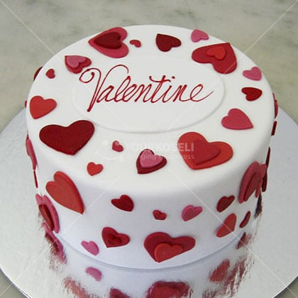 Hearty-Valentine-Cakes-in-Nepal