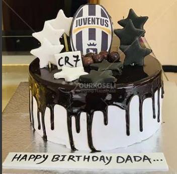 Juventus_CR7_Football_theme_cake_yourkoseli_Nepal