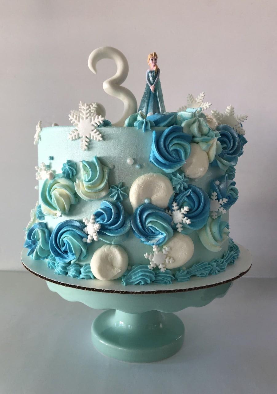 Frozen-Themed-Cake