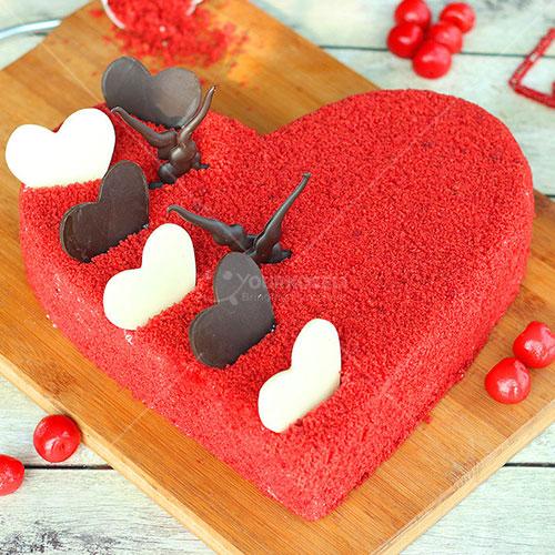 Hearty-Red-Velvet-Cake