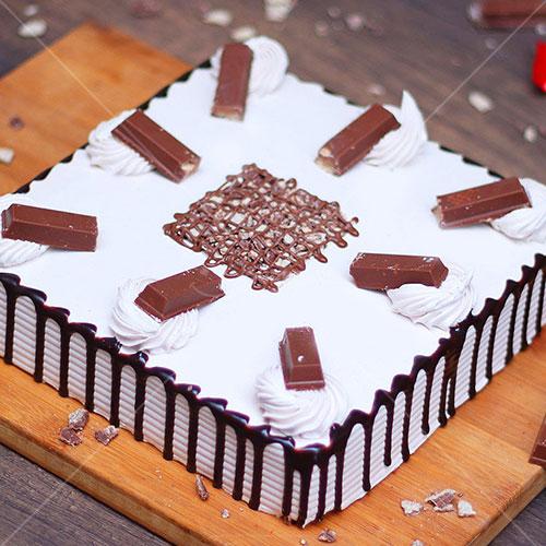 Square-Kitkat-Black-Forest-Cake