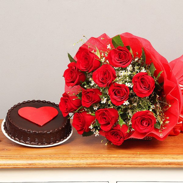 Cake with Flower Gift in Nepal